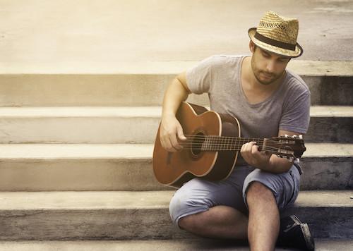 Singer - Guitarist