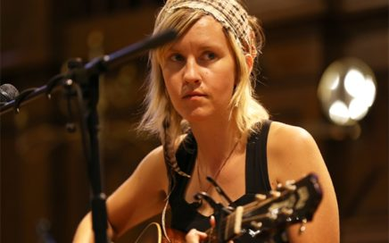 Johanna Warren - Singer-Songwriter