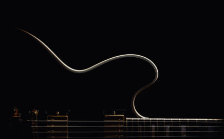 Outline of a guitar